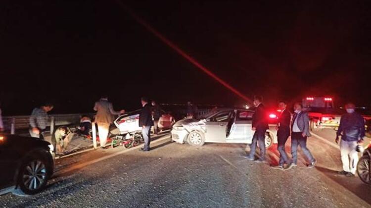 Bakan Karaismailoğlu'nun konvoyunda zincirleme kaza!