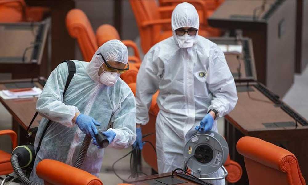 Koronavirüs Meclis'e sıçradı: 213 kişi yakın takipte