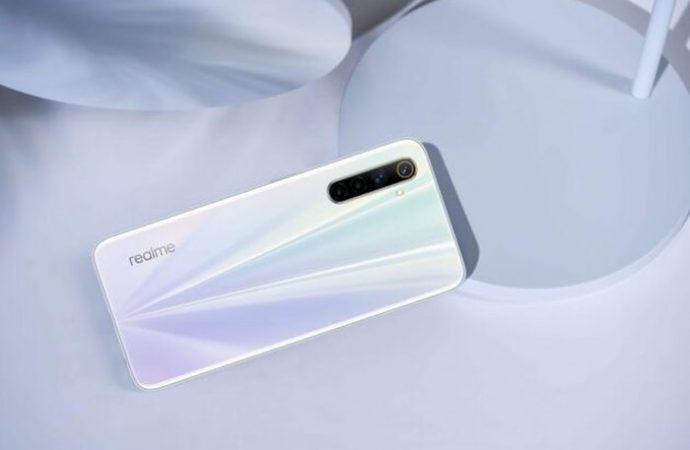 Realme 6S : Orta seviye telefonlar rekabete hazır