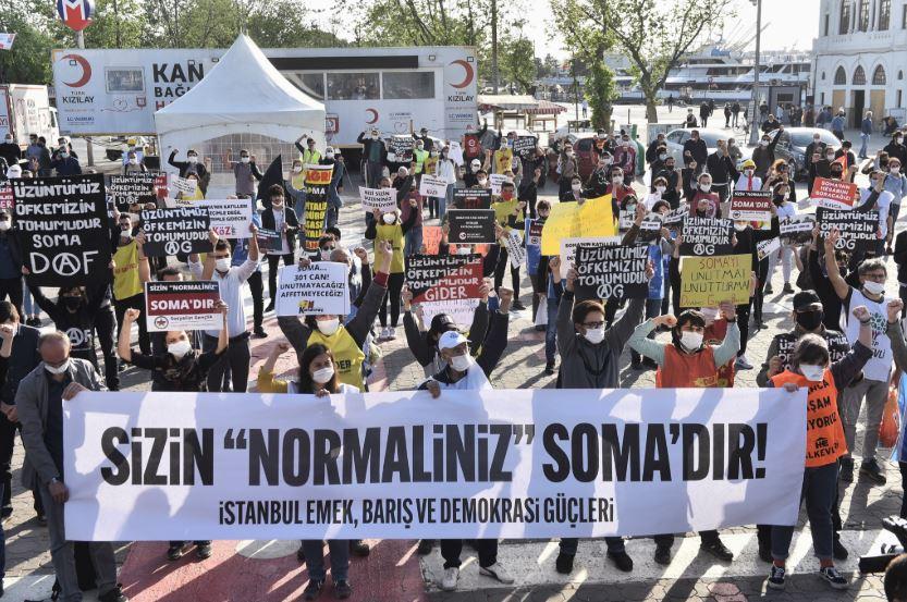 Soma Katliamı'nda hayatını kaybeden 301 madenci Kadıköy'de anıldı