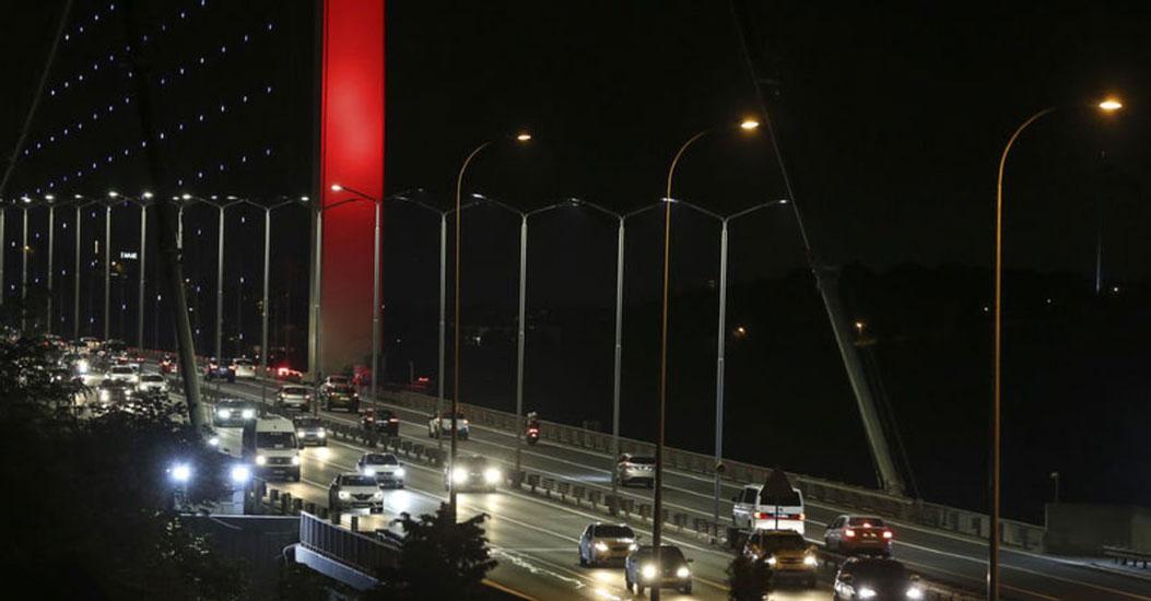 Kısıtlamanın sona ermesiyle İstanbul'da trafik yoğunluğu yüzde 20'ye ulaştı