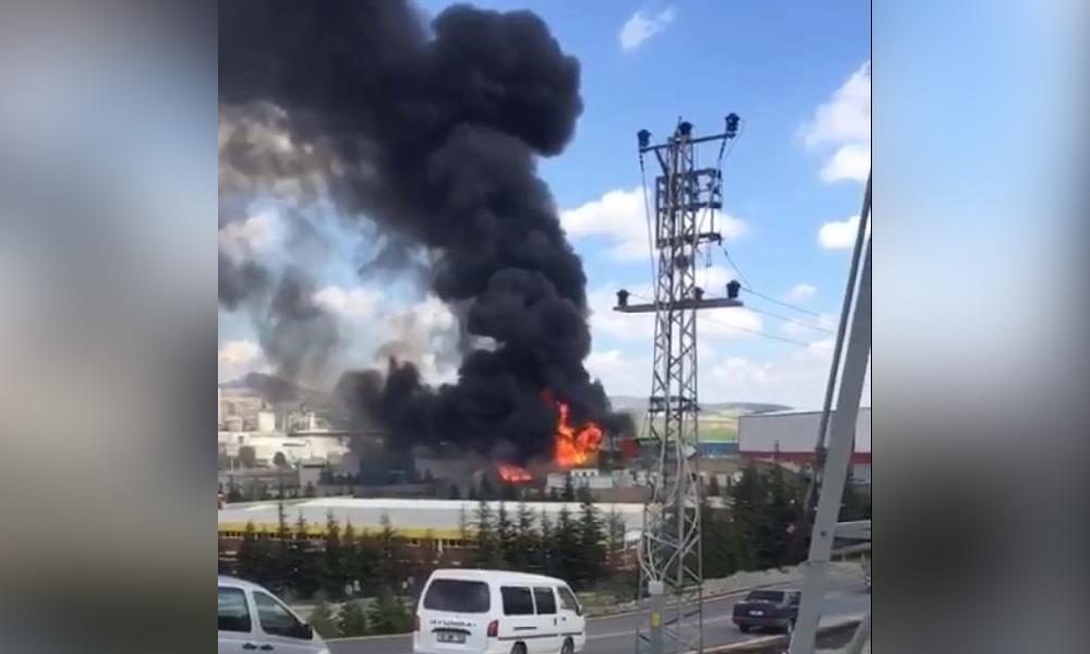 Ankara'da boya fabrikasında yangın!