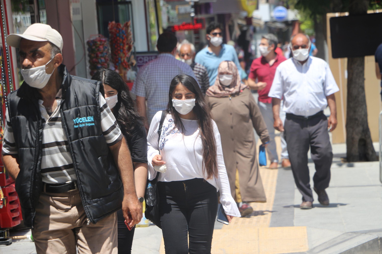 Tokat'ta zorunlu maske uygulaması başladı