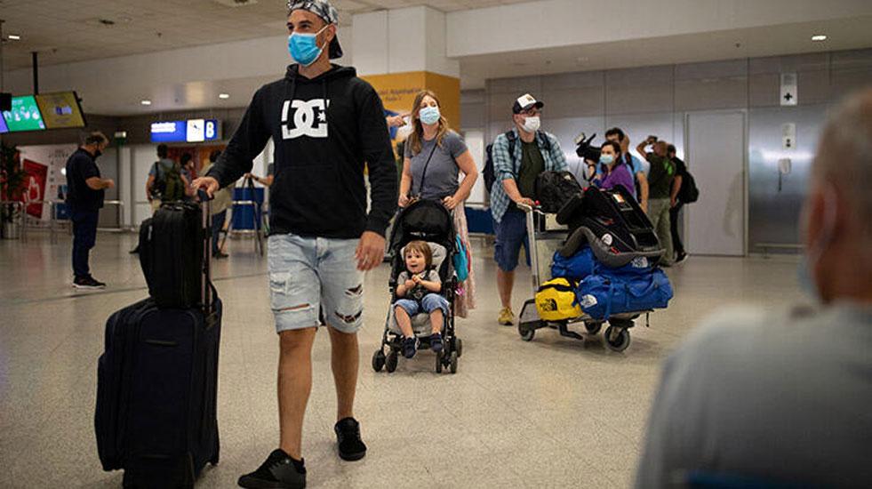 Hollanda Hükümeti: Tatilde salgına yakalanan başının çaresine bakar