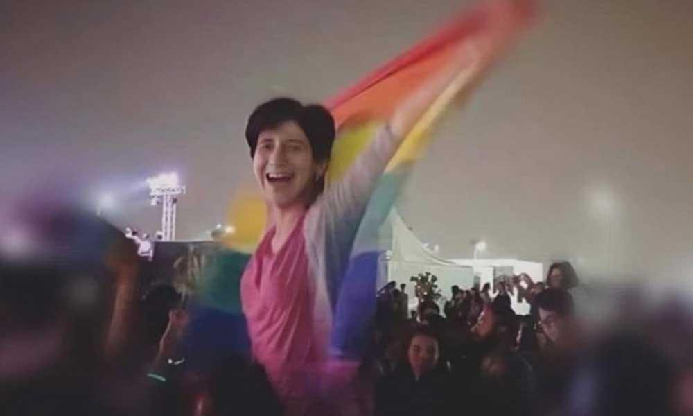 LGBTİ bayrağı açtığı için tutuklanan aktivist yaşamına son verdi