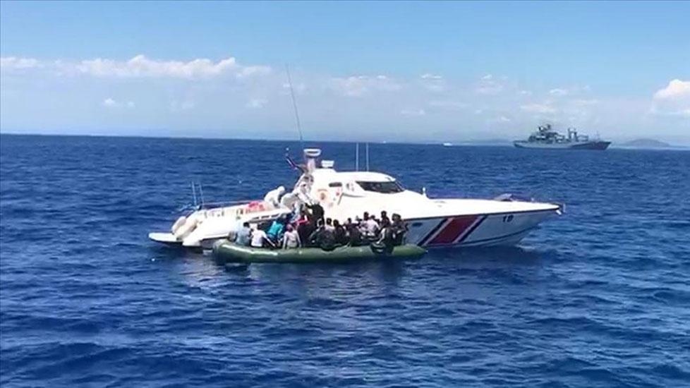 Yunanlılar şimdi de İzmir'den geri itti