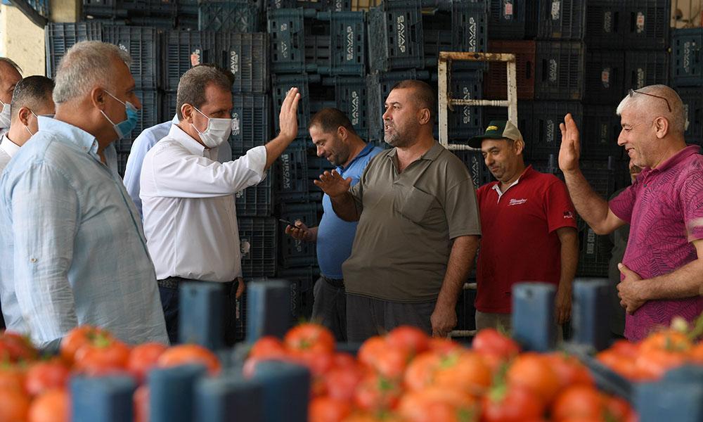 Başkan Seçer, Tarsus Hal Kompleksi'nde esnafla bir araya geldi