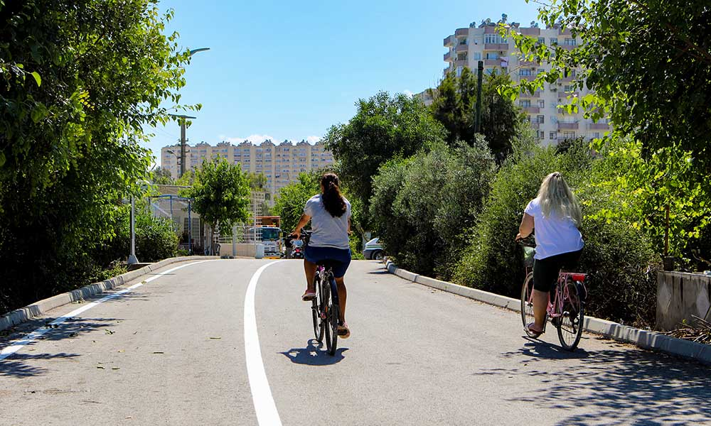 Büyükşehir, Erdemli'ye bisiklet yolu kazandırıyor