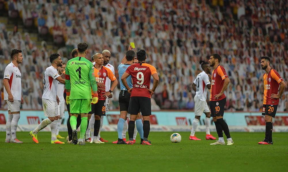 Aslan yara aldı! Galatasaray kaçtı Gaziantep FK yakaladı