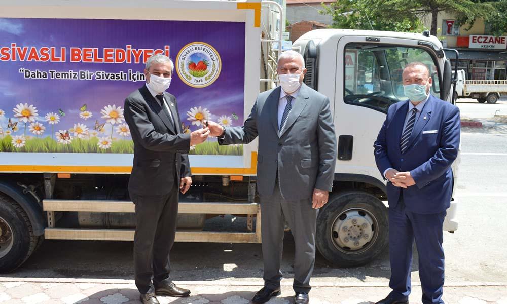 Başkan Atay kardeş şehir Sivaslı'da