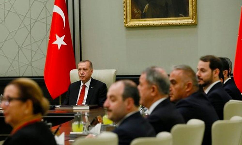 AKP kulisleri kaynıyor! İşte yapılması beklenen değişiklikler…