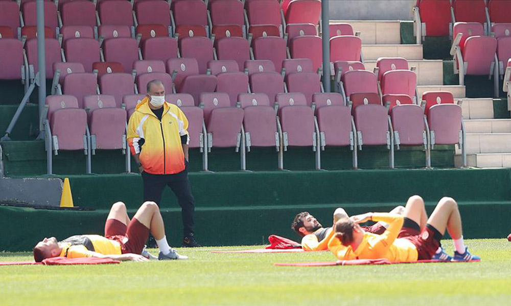 Galatasaray'da tüm çalışanların maaşlarında kesinti: Mağdur ettiler