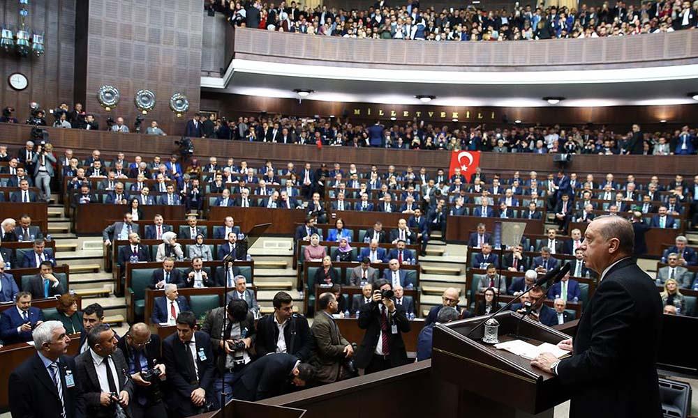 Fatih Altaylı AKP'li vekillerin 'çoklu baro' çaresizliğini yazdı: Beyefendi talimat verdi
