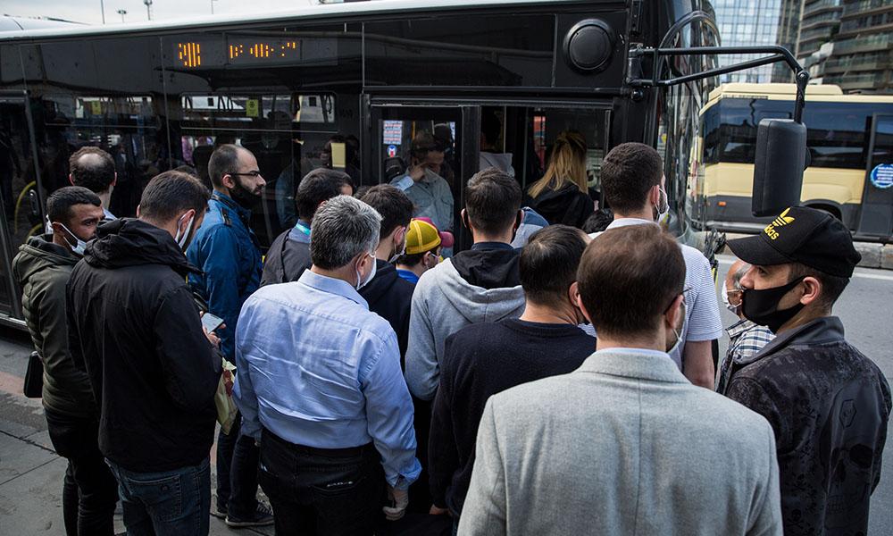Bilim Kurulu Üyesi Özlü'den kritik 'toplu taşıma' uyarısı