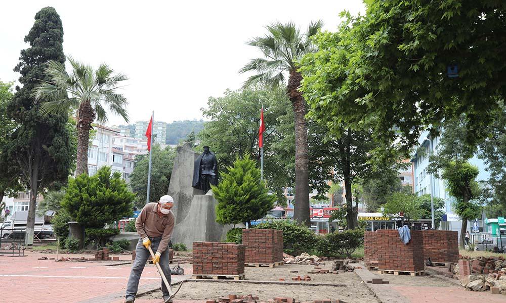 Mudanya Cumhuriyet Meydanı Projesi'nin ilk etabı başladı