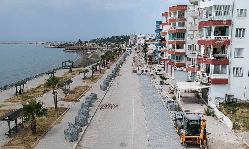 Büyükşehir ilçede yol onarım, parke, bordür ve kaldırım çalışması gerçekleştiriyor