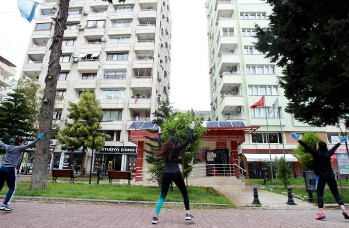 Seyhan'da sosyal mesafeli spor