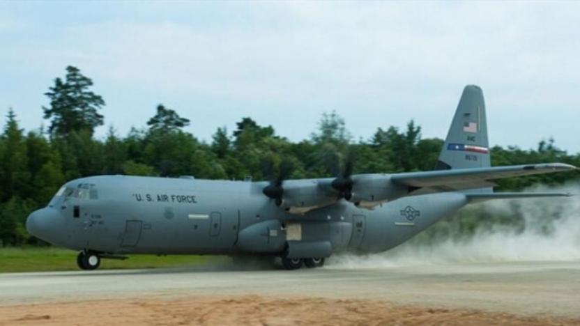 ABD askeri uçağı Irak'ta pistten çıktı