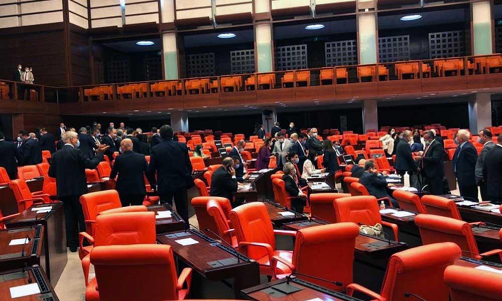 AKP'li vekil: Talimat alıyoruz, şeref duyarız