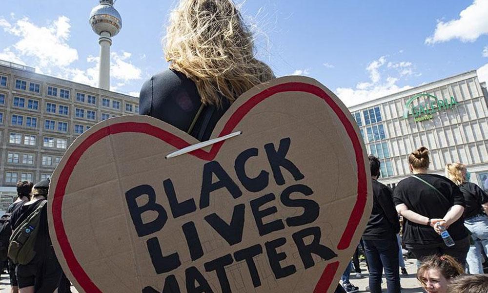 Irkçılık karşıtı protestolar Berlin'e sıçradı!