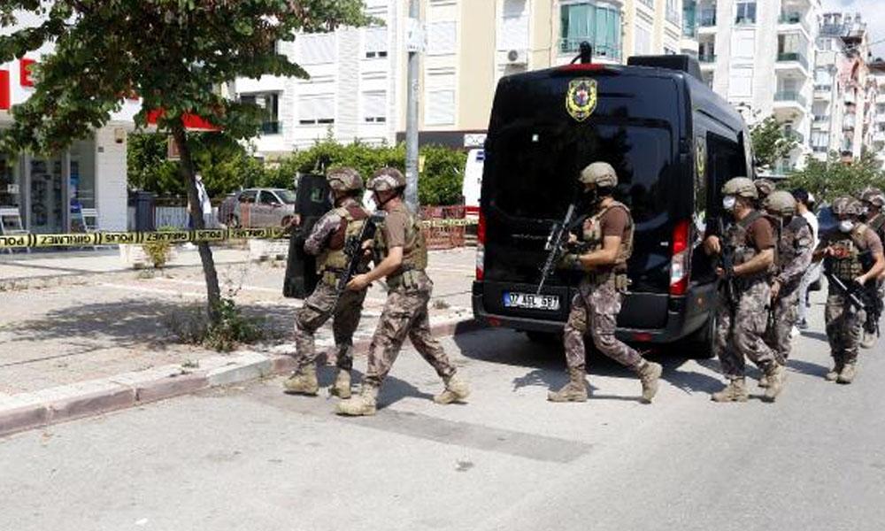 Özel Harekat polisleri müdahale etti… Antalya'da hareketli dakikalar