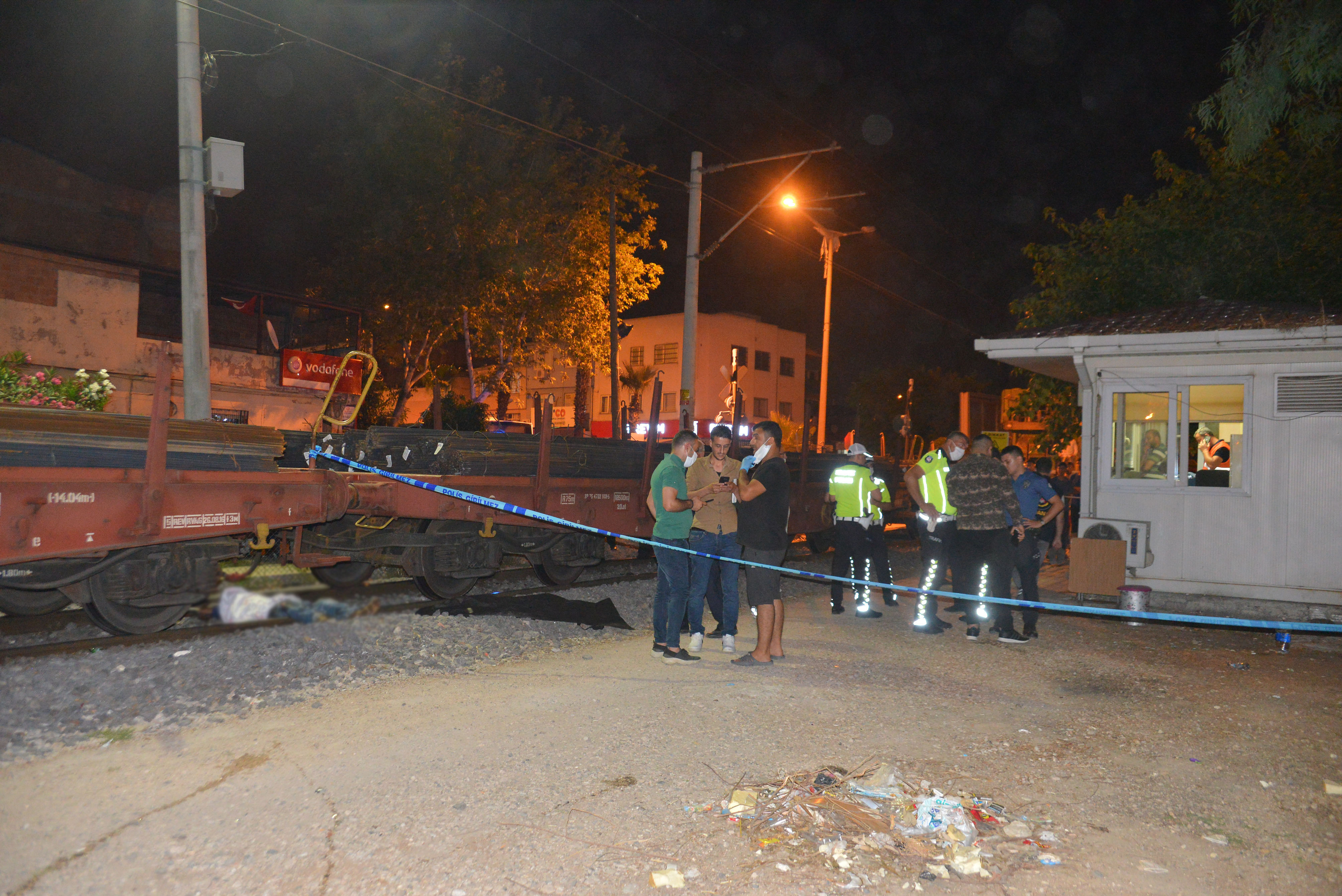 Hemzemin geçitte trenin çarptığı kişi yaşamını yitirdi