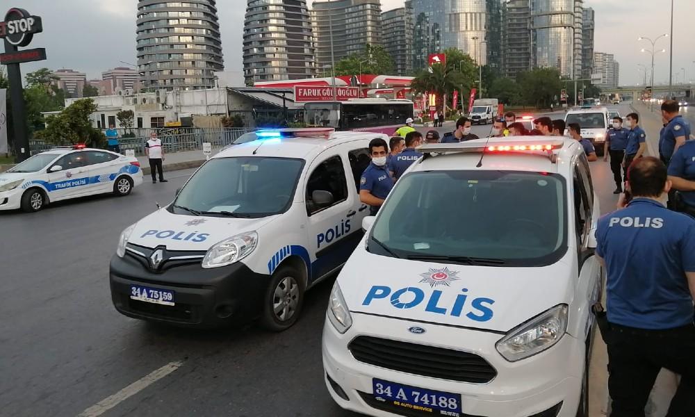 Bakırköy'de taksiciye silahlı tehdit: 5 gözaltı
