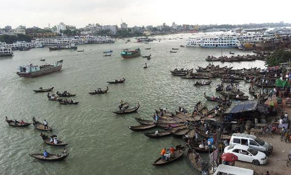 Bangladeş'te feribot kazası: 25 ölü!