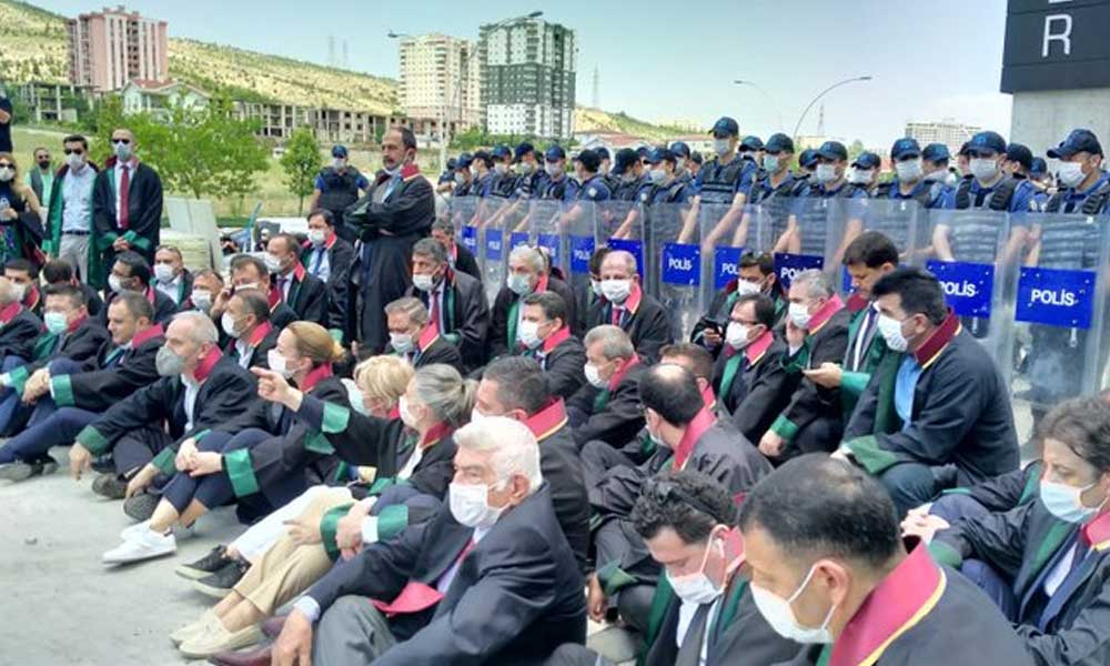 CHP'den iktidara barolar için çağrı