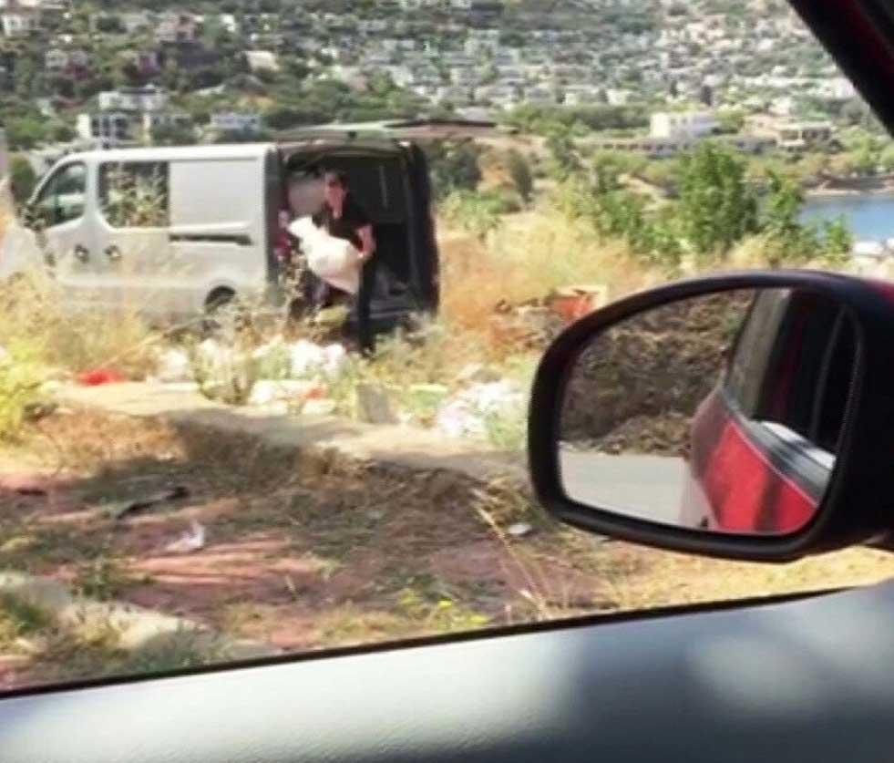 Bodrum'da moloz atanlara 'attığın pisliği temizle' cezası
