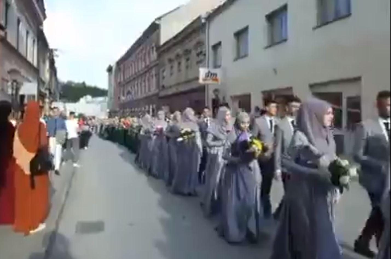 Merdan Yanardağ: Burası Bosna, Balkan Müslümanlığını Arap yobazlığına böyle çevirdiler!