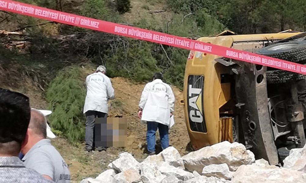 İş makinesi devrildi operatör hayatını kaybetti