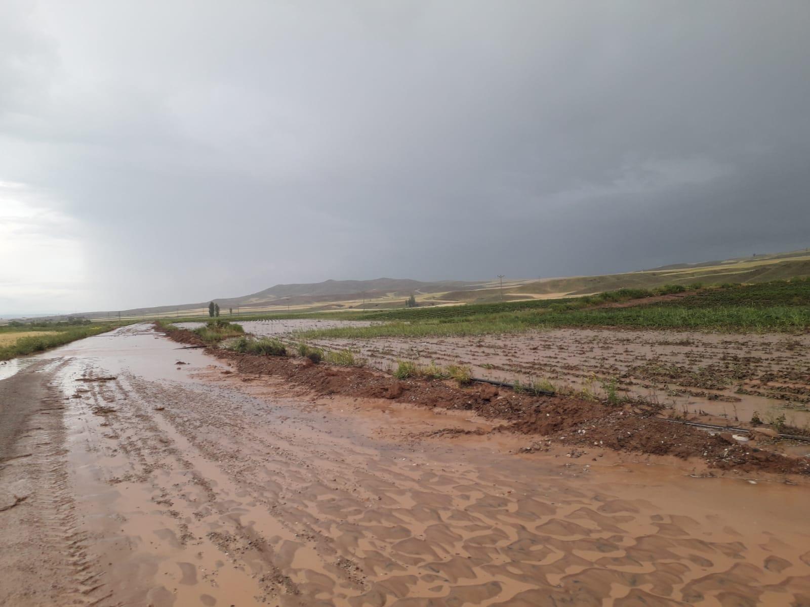 Kayseri'de sağanak: Evleri su bastı, ekili alanlar zarar gördü