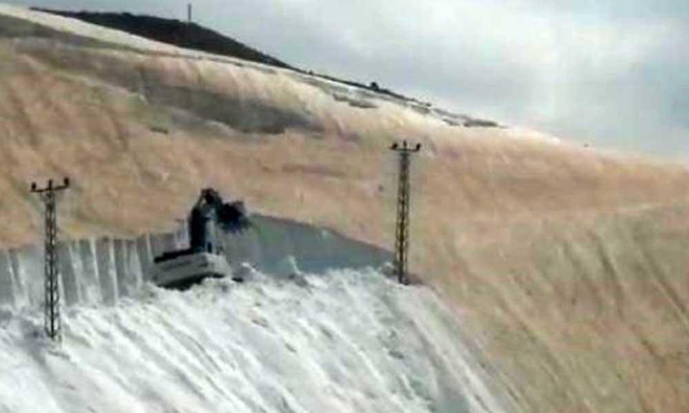 Haziran ayında Hakkari'de 7 metrelik kar