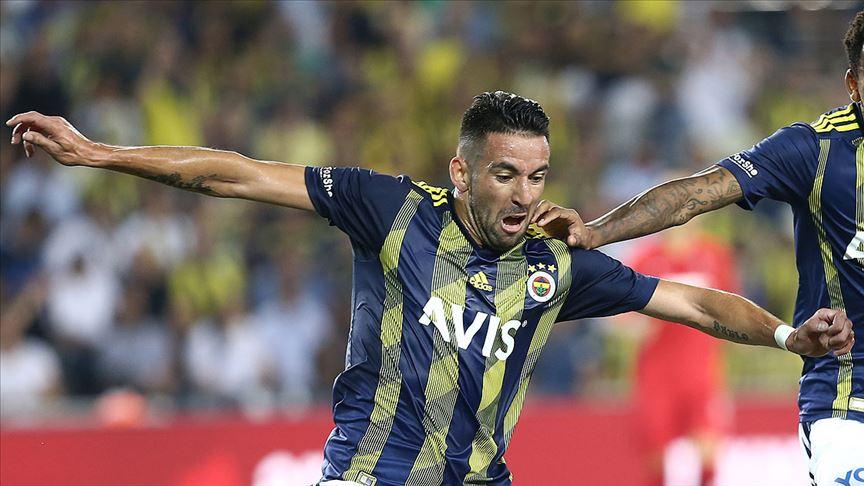 Fenerbahçe'de Mauricio Isla ile yollar ayrıldı