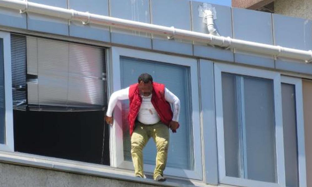 Kadıköy Belediyesi'nde intihar girişimi