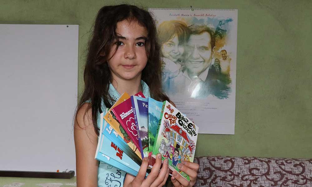Büyükşehirden Kitap Aşığı Fatma Gülşen'e Hediye