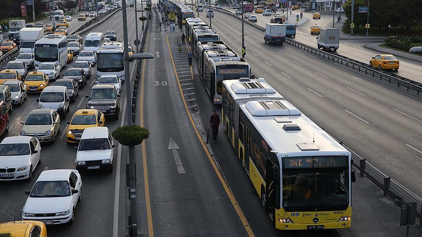Onaydan geçmemişti! İBB'den yeni metrobüs planı!