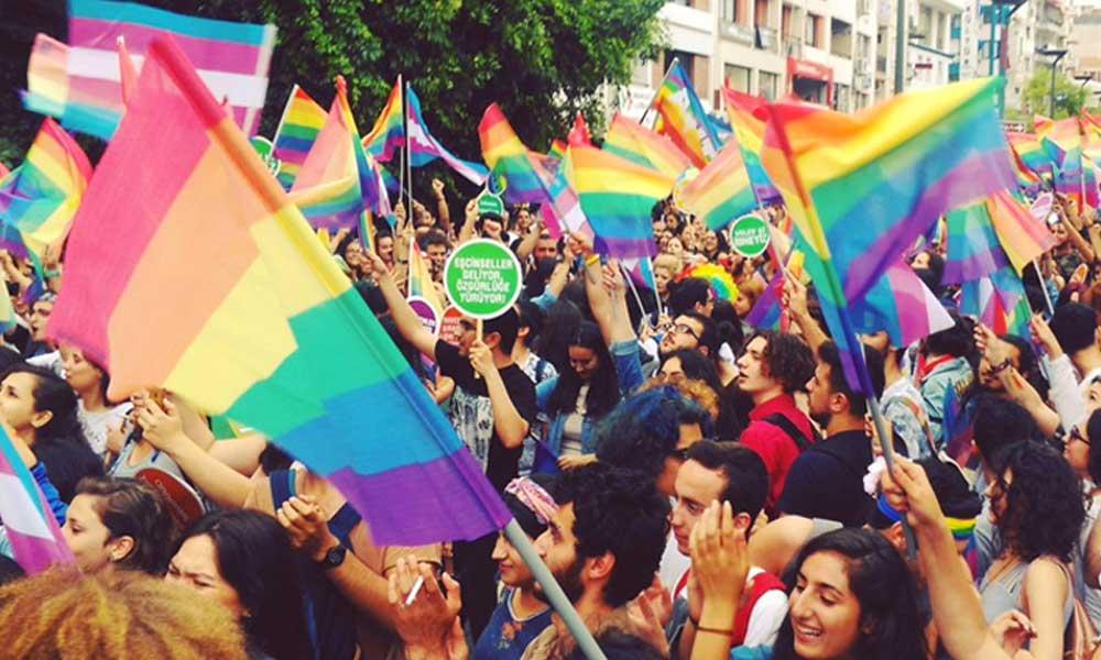 Avukat Şeren: Mesleğimi yaparken heteroseksist baskıyı sıklıkla hissediyorum