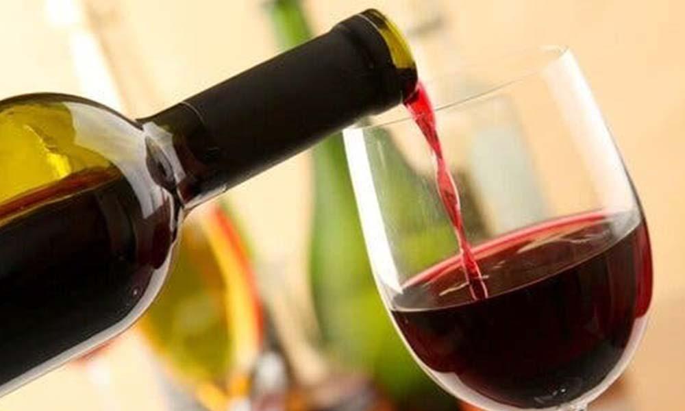Fransa'da şaraplar dezenfektana dönüştürülecek