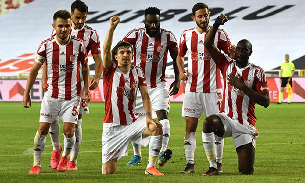 Sivasspor, Denizlispor engelini tek golle aştı!