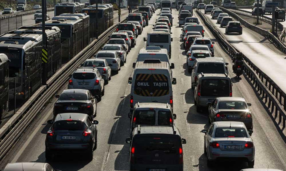 İstanbul'daki trafik yoğunluğu yüzde 27 'ye ulaştı!