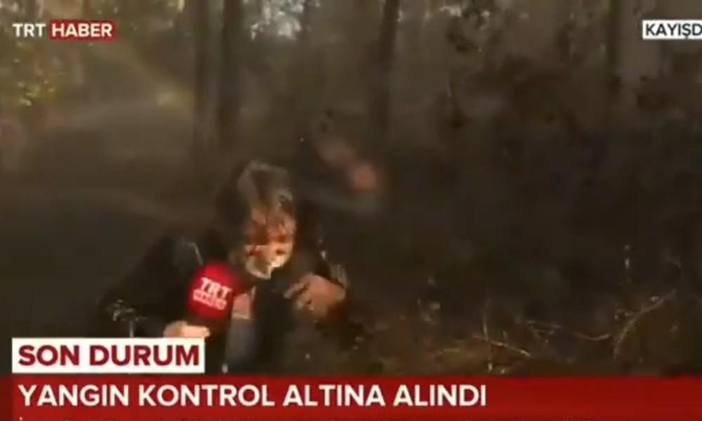 Yangın söndürme helikopteri TRT muhabirinin üzerine tonlarca su bıraktı