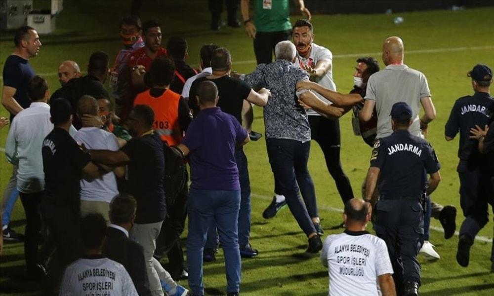 Alanyaspor – Trabzonspor maçı bitti, kavga çıktı!