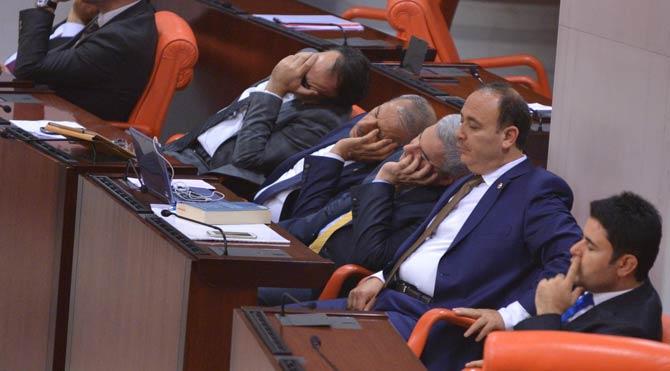 Milletvekillerinin telefonlarına yeni uygulama: 'Sesinizi düşürmeyi düşünün'