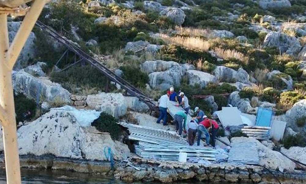 48 saatte dikilen kaçak villanın yıkımı tamamlandı