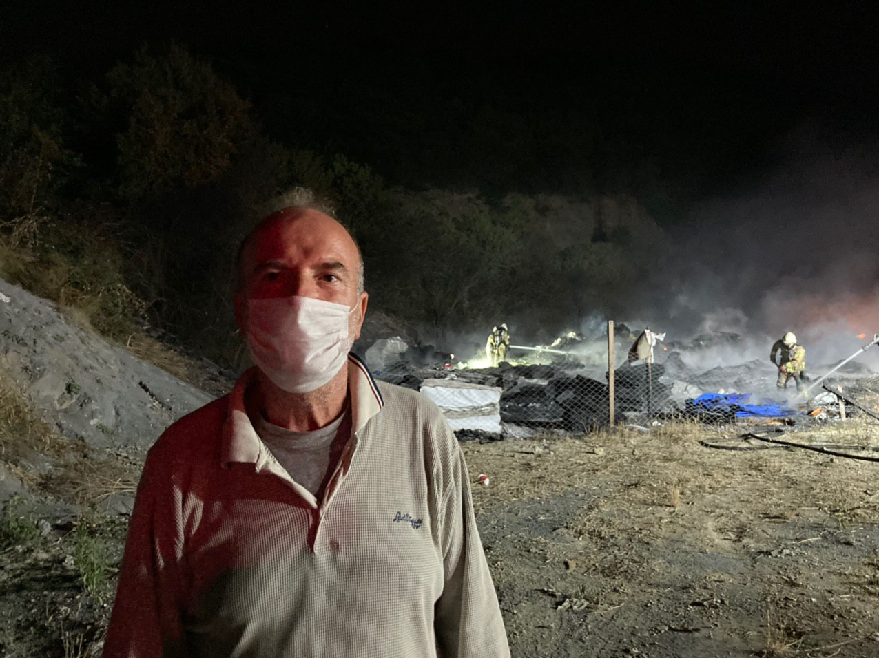 Arnavutköy'de ormanlık alandaki depoda yangın