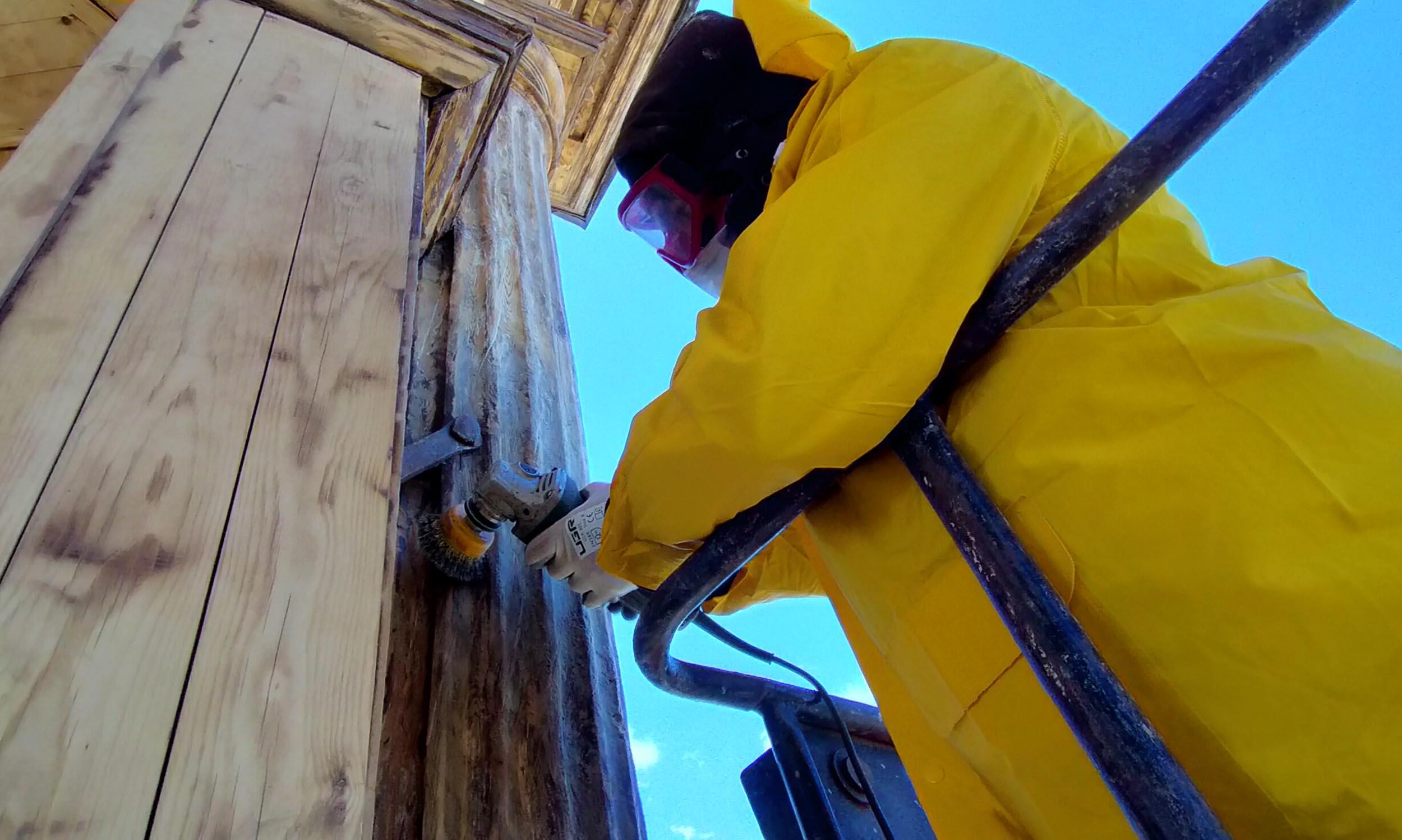 Tarihi saat kulesindeki ahşap köşk restore edildi