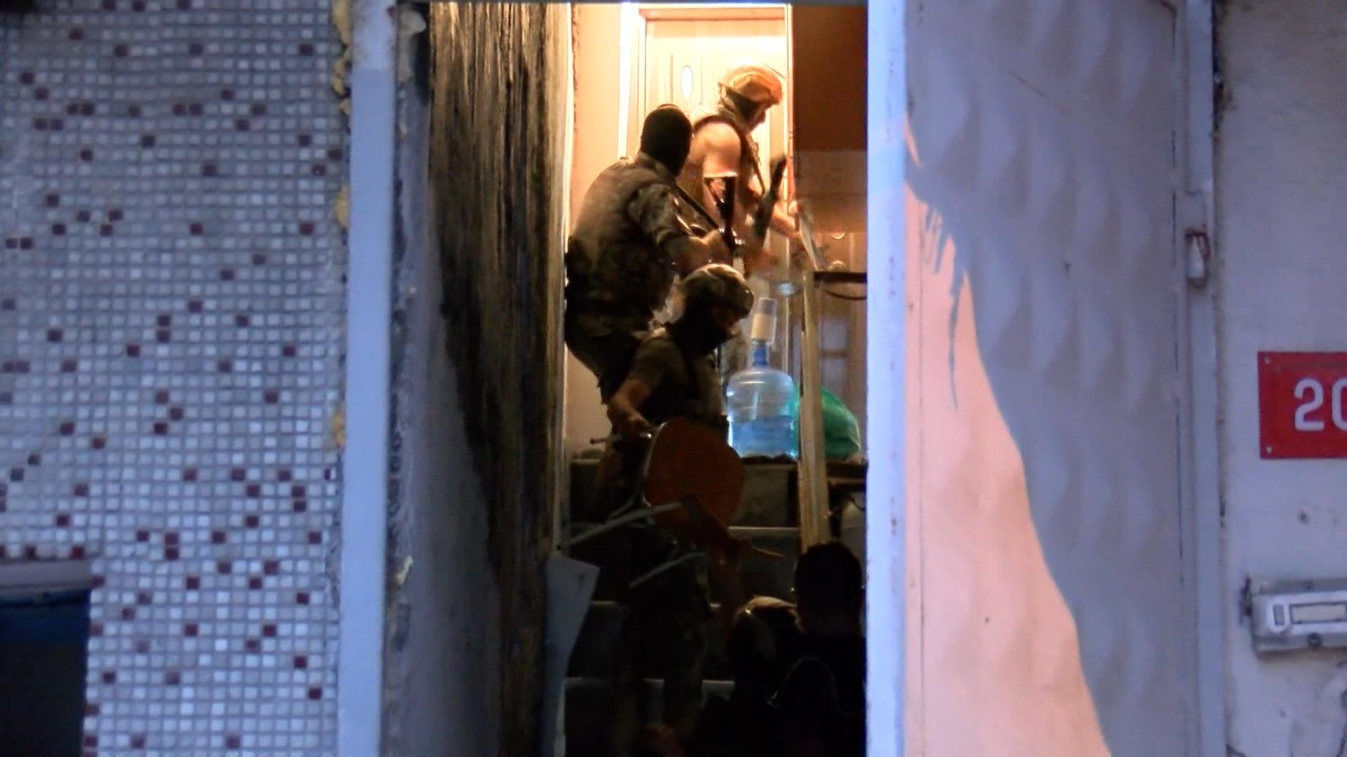 İstanbul'da 400 polisle uyuşturucu operasyonu, 75 şüpheli gözaltında