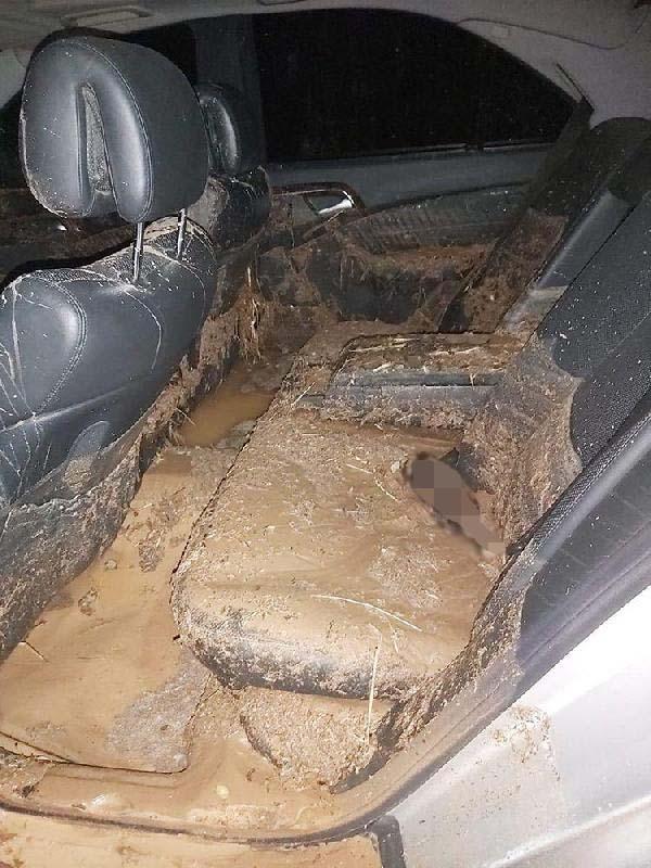 Kırşehir'de sel: Vatandaşlar araçlarda mahsur kaldı